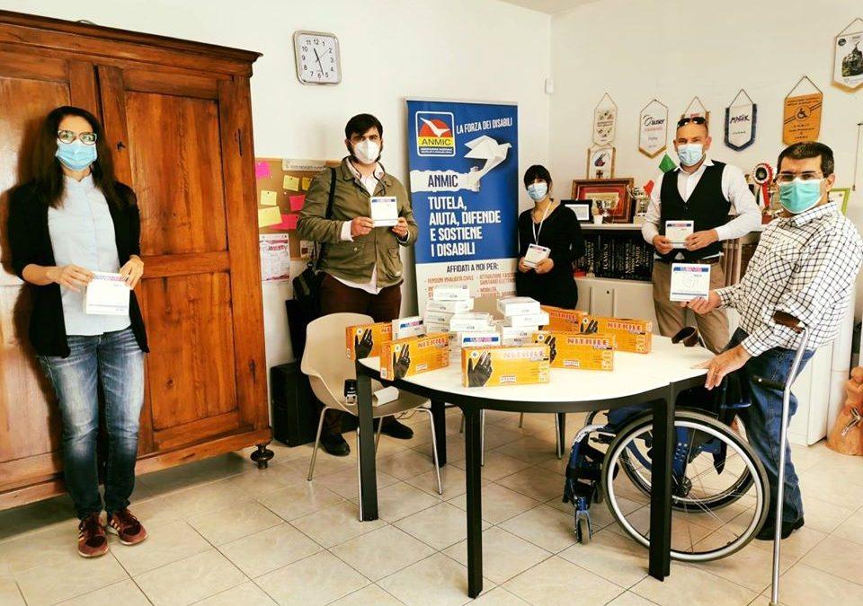 Jbt e Uil donano ad Anmic guanti e mascherine